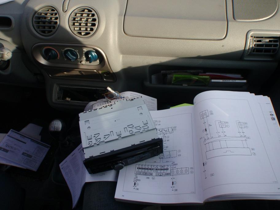 Renault Twingo neues Autoradio Stromlaufplan