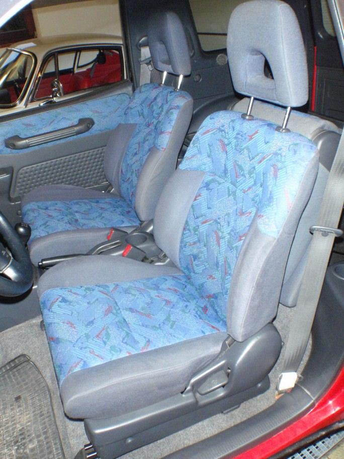 Fahrersitz wieder eingebaut