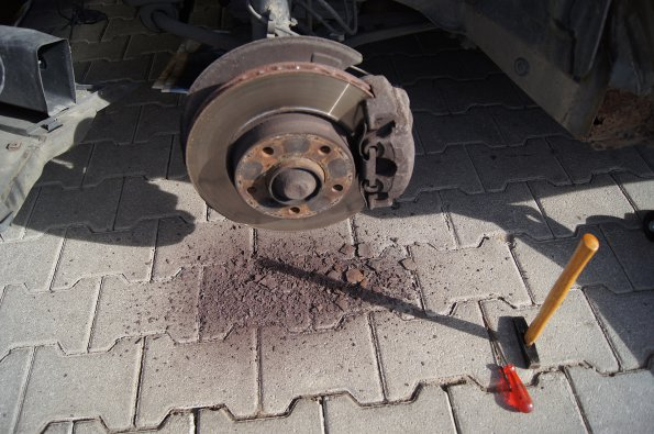 Cleaning The Ventilated Front Brake Discs