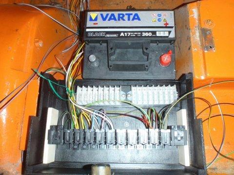 Zentralelektrik erste Kabel
