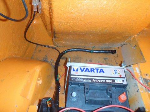 Kabelstrang im Kofferraum