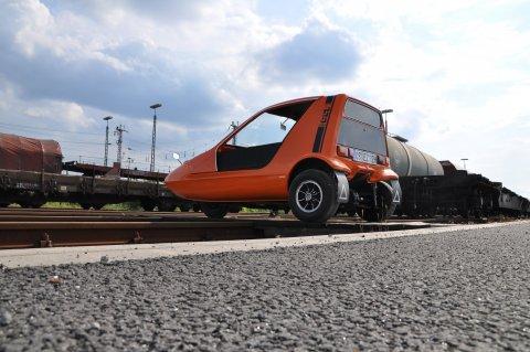 Bug auf den Gleisen