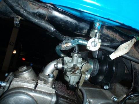 Benzinhahn 90° eingebaut