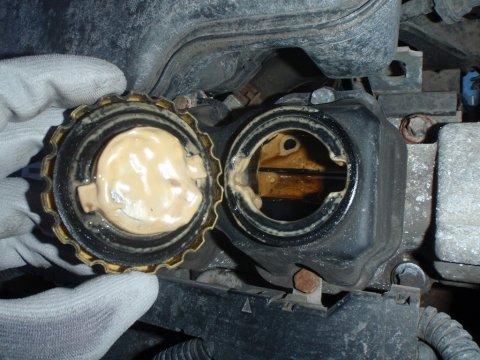 Opel Astra Ölschlamm