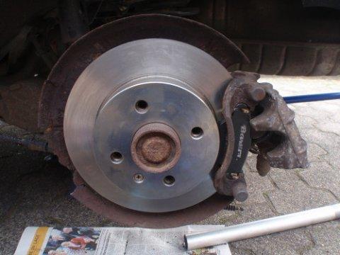 neue Bremsscheibe eingebaut