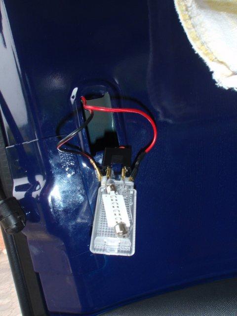 Piggyback-Abzeig an der Kofferraumleuchte
