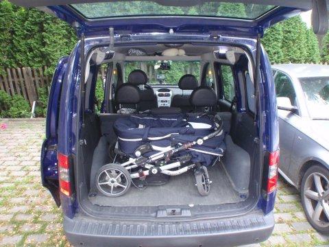 Kofferraum mit Kinderwagen