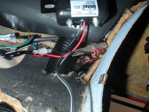 12V-Steckdose Kabel verstaut