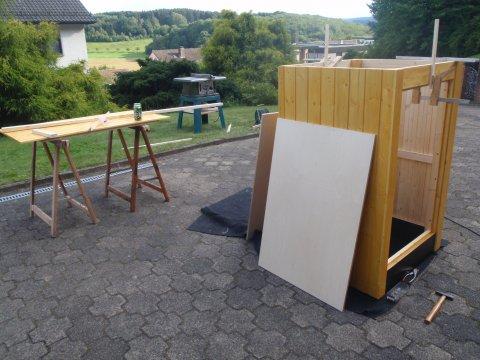 Räucherhäuschen Tür im Bau