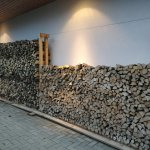Holz vor der Hütte II