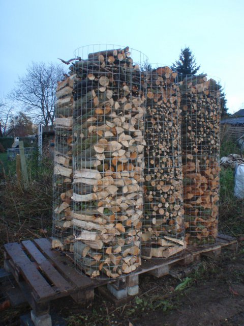 fertige Holztürme