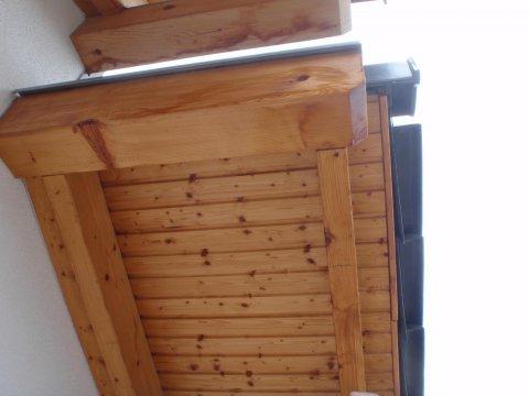 Dachüberstand Wasserflecken