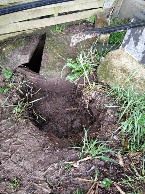 Brunnenrand frei gegraben
