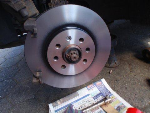 neue Bremsscheibe montiert