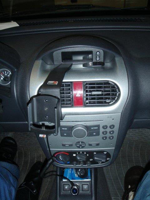 Opel Combo | Brodit Mobiltelefonhalterung | Halterung eingebaut