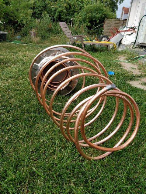 Kupferspirale einfädeln
